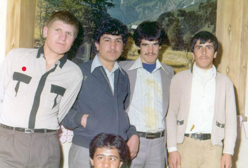 http://www.khatesorkh.ir/uploads/pictures/10163.jpg